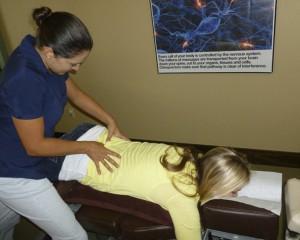 Female_chiropractor_Austin